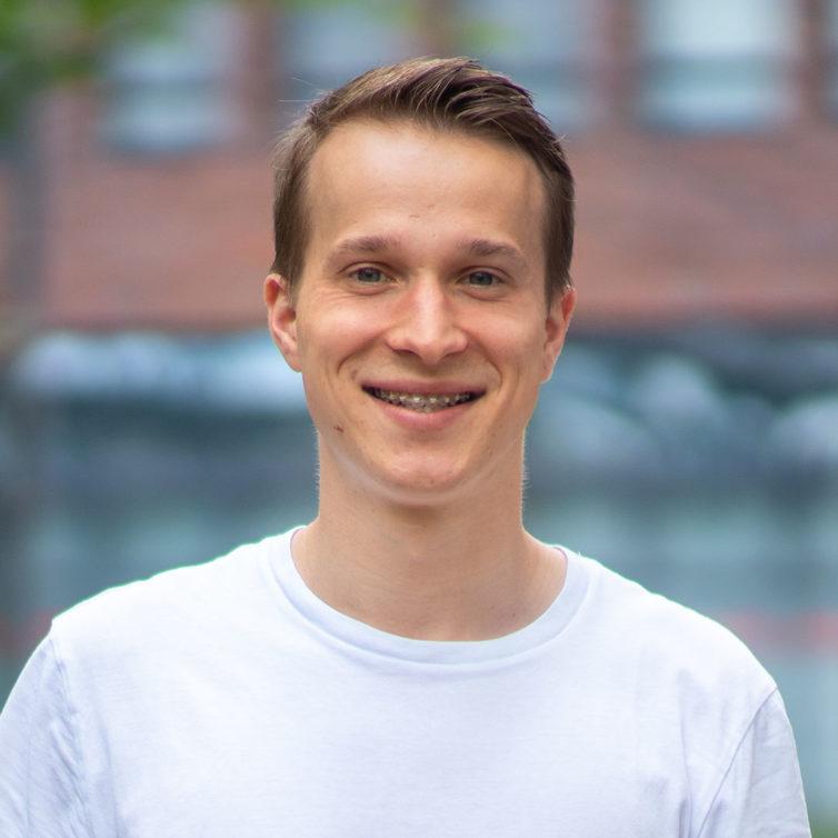 Jaroslaw Bak